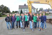 Offizieller Spatenstich erfolgt - Sanierung des Hartplatzes an der Stollberger Straße zu einem modernen Kunstrasenplatz hat begonnen