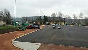 05.04.17: Bitumeneinbau auf der Rundbahn